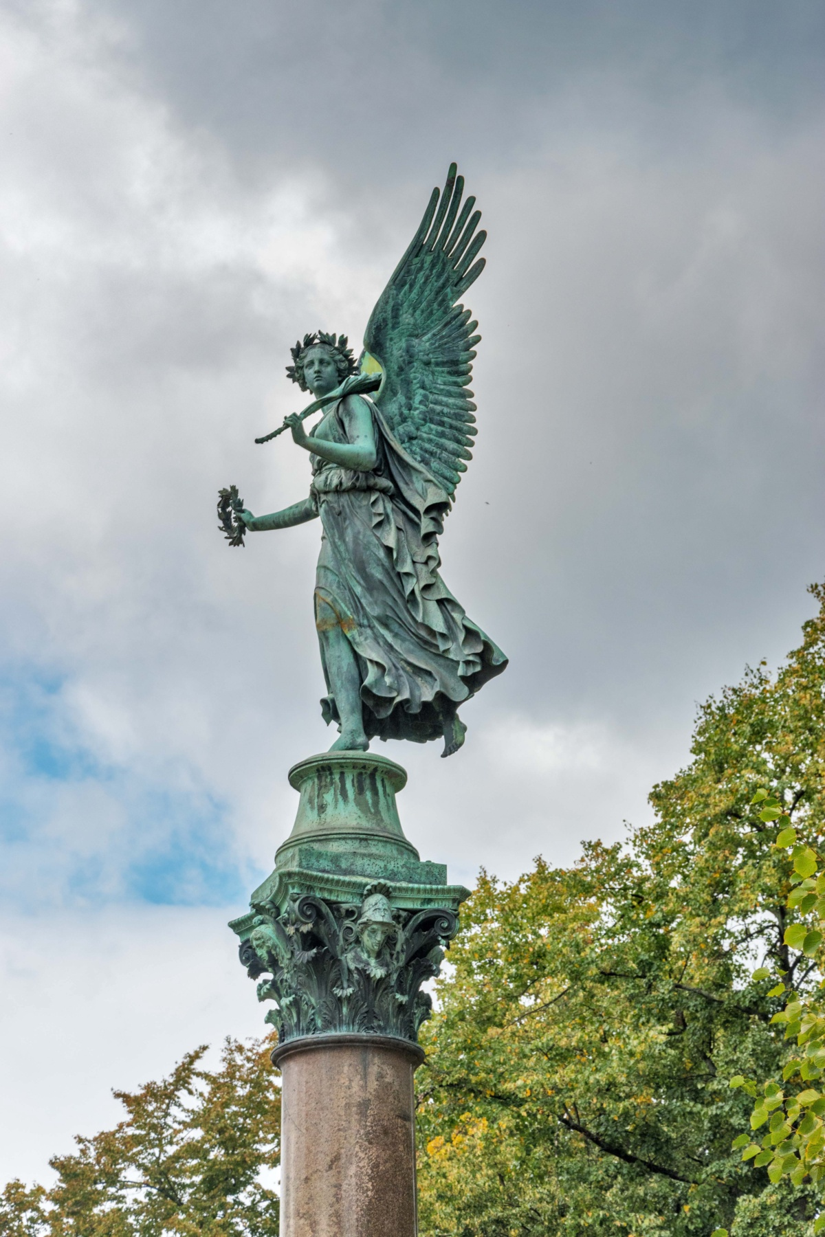 Charlottenburg Angel